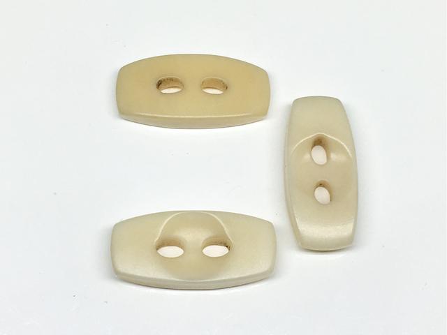 ボタン:長方形(L)/アイボリー/3コ入<95>