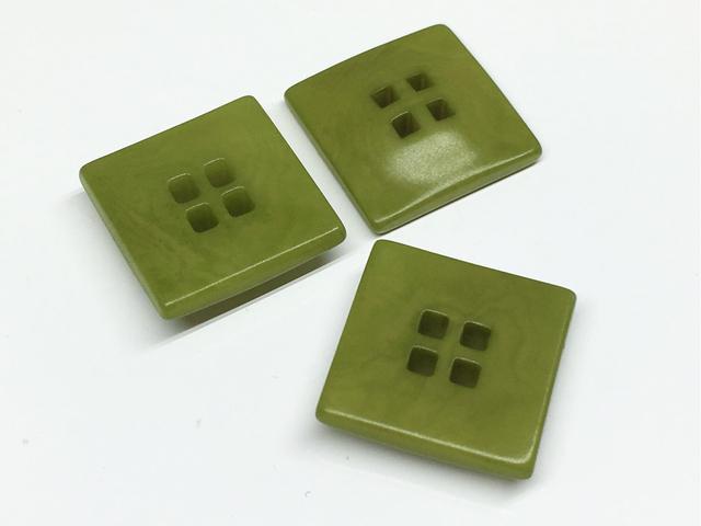 ボタン:正方形/グリーン/3コ入<100>