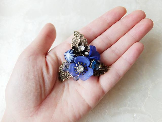 【h様ご予約品】青のお花のブローチA
