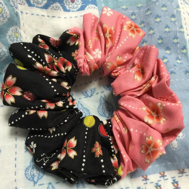 2色和柄さくらシュシュ・ピンクと黒