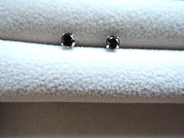 SV925☆ユニセックスタイプ キュービックジルコニア ブラックカラー スタッドピアス 4本爪タイプ(1247)