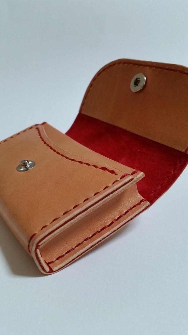 サドルレザーのカード入れ 赤色仕様