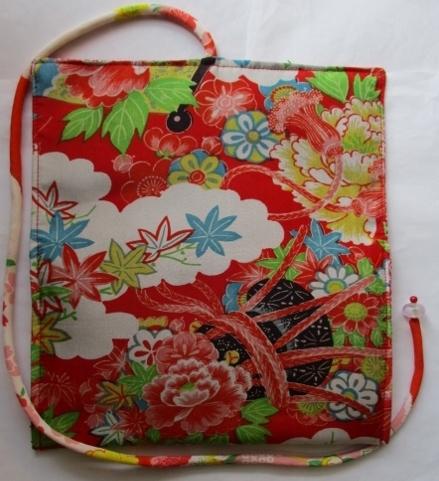 着物リメイク 花柄の着物で作った和風財布 1729
