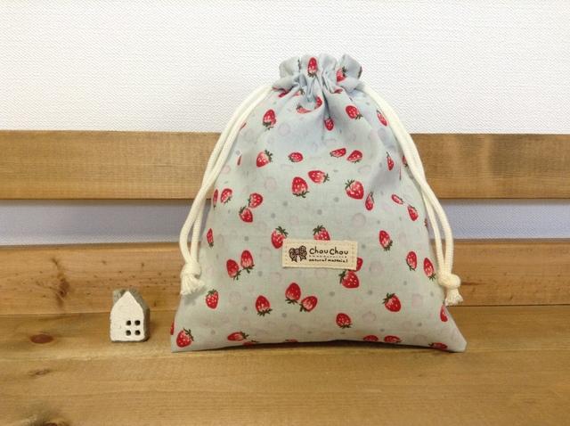 【ご予約品】可愛いイチゴ柄 ミニ巾着袋*コスメケースなどに♪