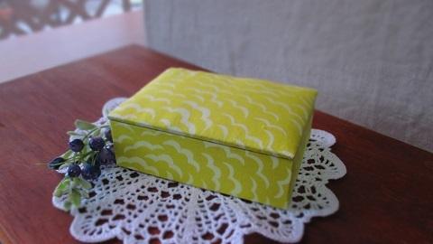 リバティPuff布箱YE/名刺サイズ