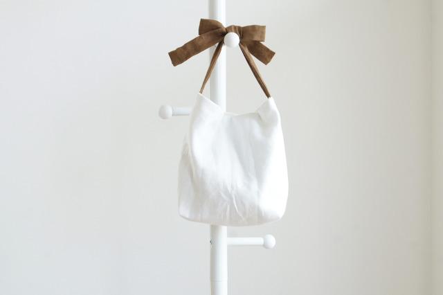 リネンキルティングリボンのバッグ(茶色 )