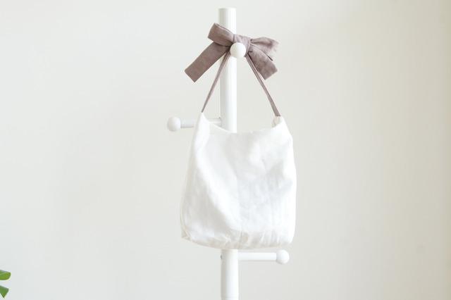 リネンキルティングリボンのバッグ(あずきミルク )