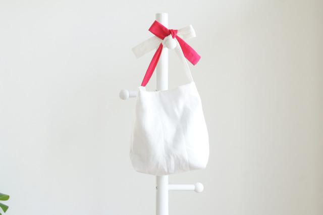 リネンキルティングリボンのバッグ(白?ピンク )