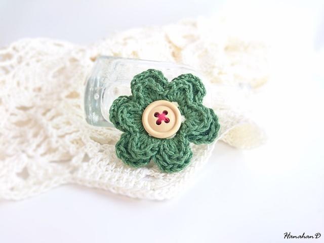 お花のブローチ 手編みリネングリーン