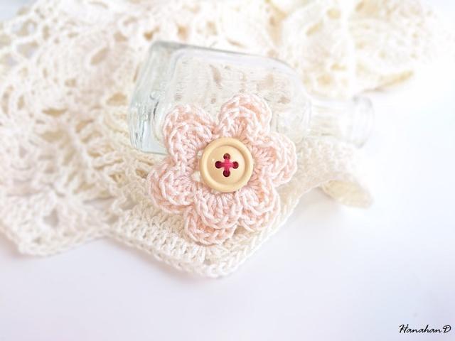 お花のブローチ 手編みレースラメピンク