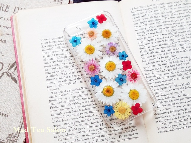 ノースポールと赤青小花のぱきっとカラーiphone5.5sカバー