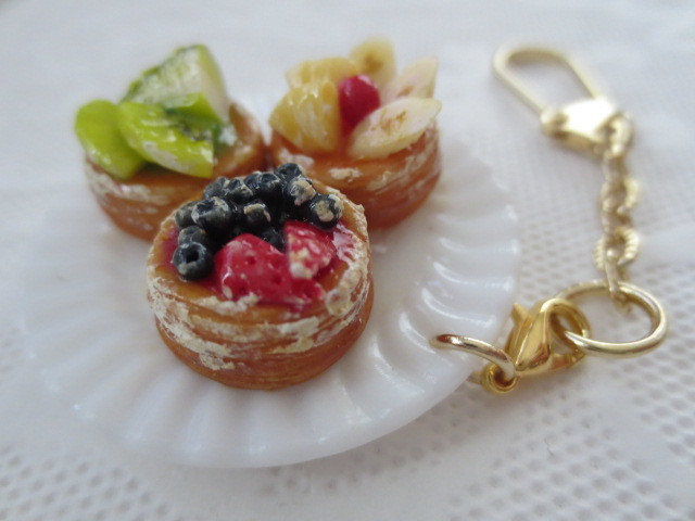 ☆3種のフルーツデニッシュプレートキーホルダー☆