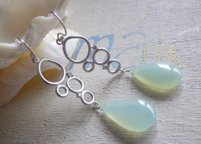 ???再販???Ocean Bubbles Drop Earrings カルセドニー(Silver925)