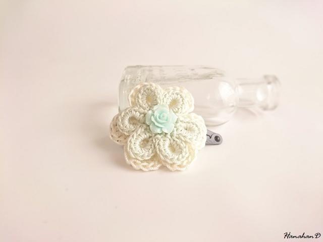 お花のパッチンピン 手編みレースベビーグリーン