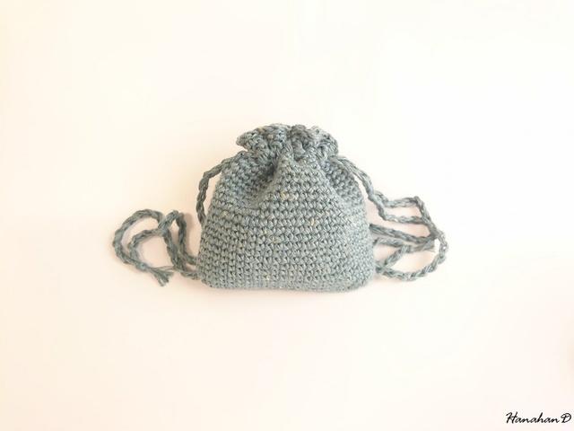ベルギーリネンの巾着 手編みブルー
