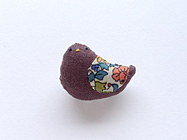 小鳥のブローチ(ブラウン3)