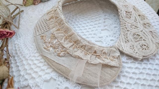 バテンレースと刺繍でシャビーシックな付け襟
