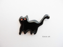 black cat brooch pin.