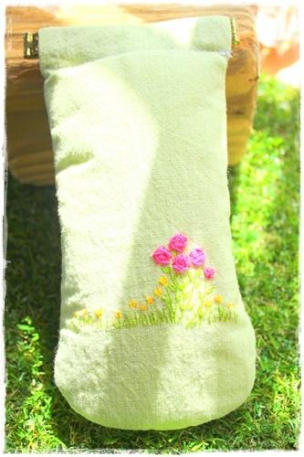 手刺繍メガネケース