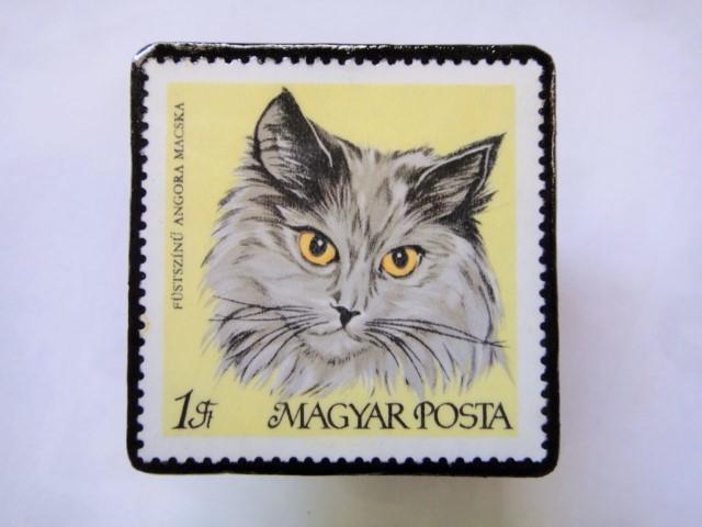 ハンガリー 切手ブローチ1423
