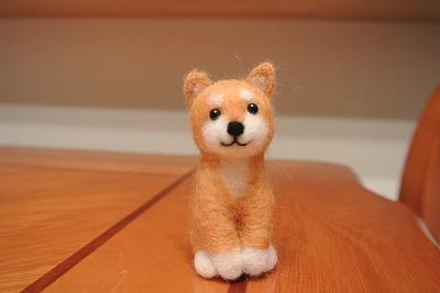 ニコニコ柴犬お座りストラップ