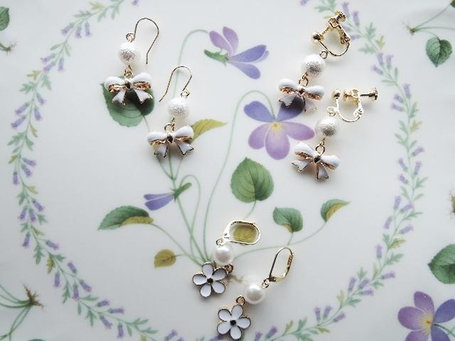 再販☆お花とリボンのピアス☆3種 ?のフックピアスは、ステンレスフックピアス(画像分よりもう少し小さいタイプ)に変更となります。(279)