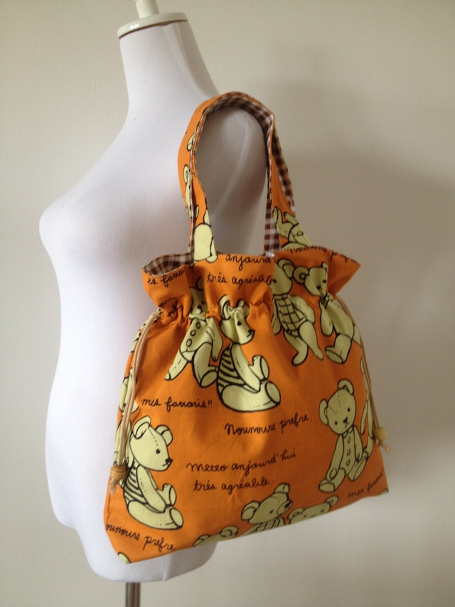 テディベアのしぼりバッグ