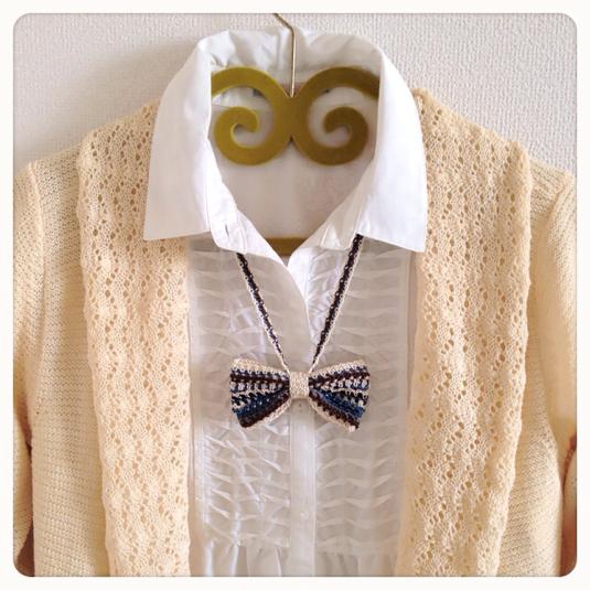 手編みリボンのロングネックレス(マルチボーダー)