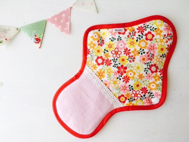 可愛い布ナプキン『pinkflower&red』昼用Lサイズ