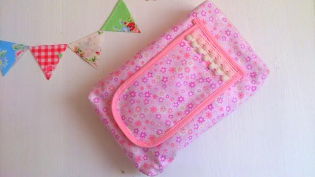 おしりふきポーチ『ピンク小花柄』
