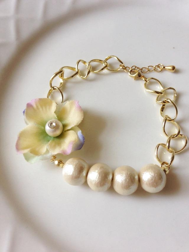 flower & cotton pearl bracelet