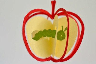<再販>りんごと青虫のモビール