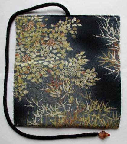 着物リメイク 花柄の着物で作った和風財布 1762