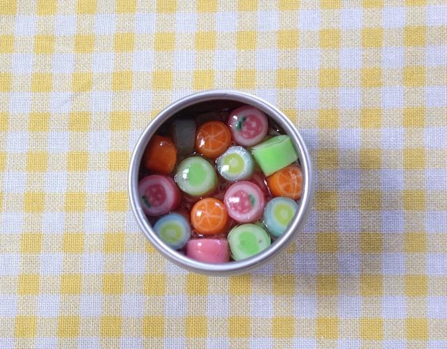 キャンディ缶のマグネット
