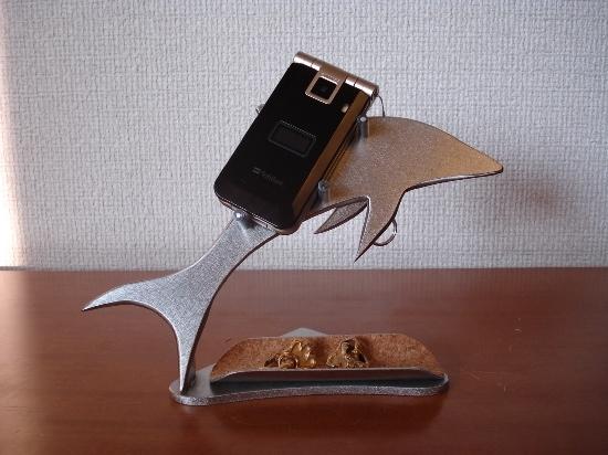 彼女へのプレゼントに!携帯電話スタンド ハーフパイプトレイ付きドルフィン携帯電話スタンド
