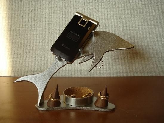お祝いに!携帯電話 スマホ 丸トレイ&リングスタンド付きドルフィン携帯電話スタンド ★指輪スタンドは固定していません