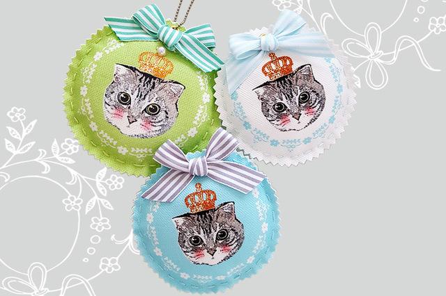 (White blue・右) 猫好きさんのキュートなにゃんこチャーム Sサイズ