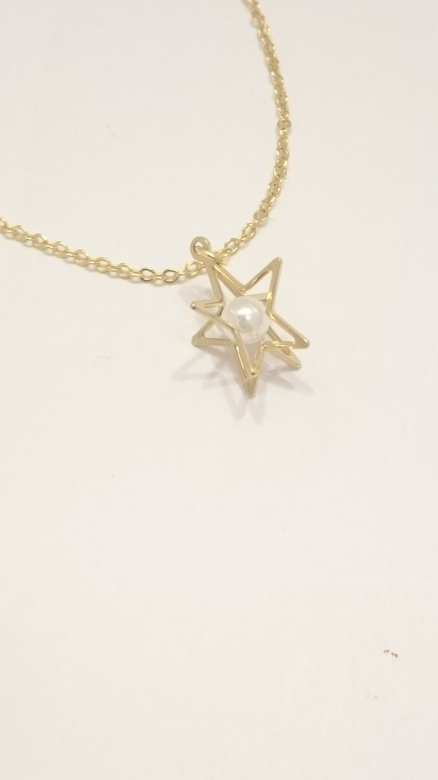 パールと星のネックレス