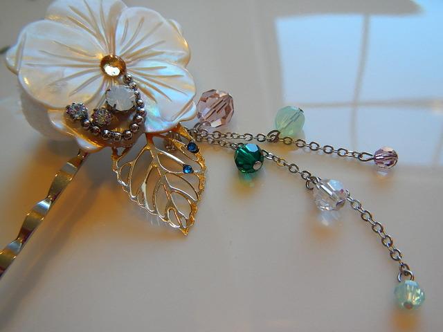 貝細工の花 のかんざしピン