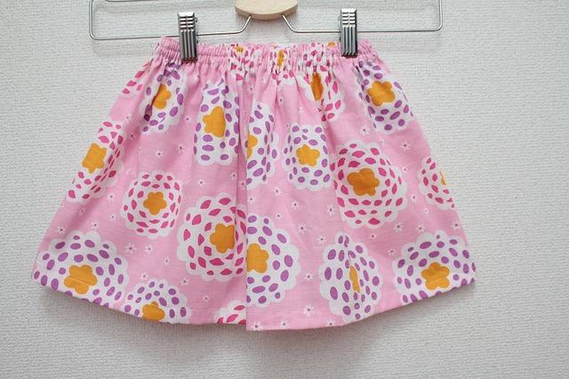子供用スカート お花(ピンク地)