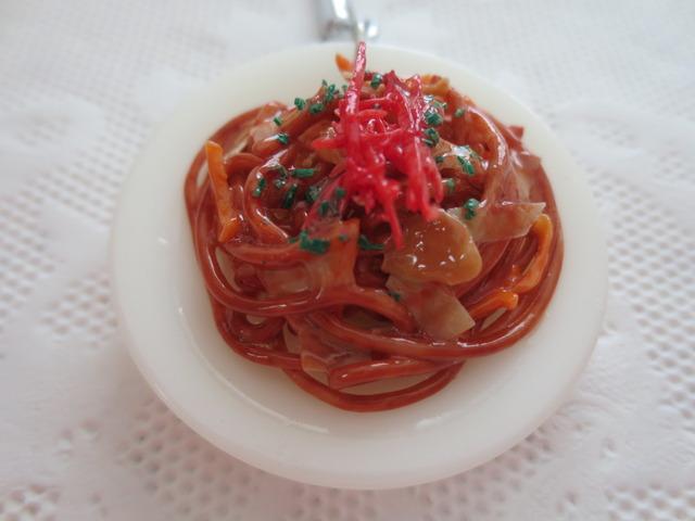 <kashiko0825s様ご予約品>☆ソースの味がたまらない焼きぞばキーホルダー1☆