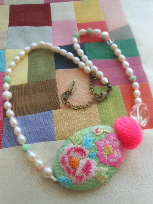 韓国刺繍 ショートネックレス