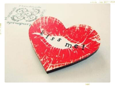kiss me! ブローチ