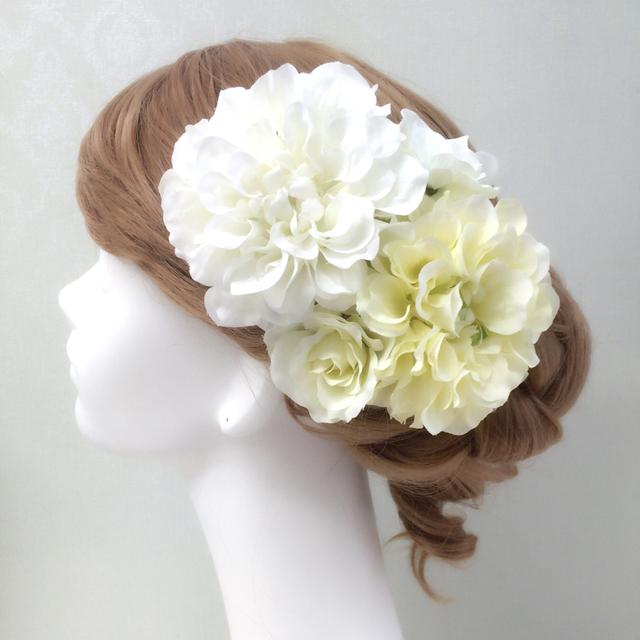 ホワイト×クリームダリアの髪飾り