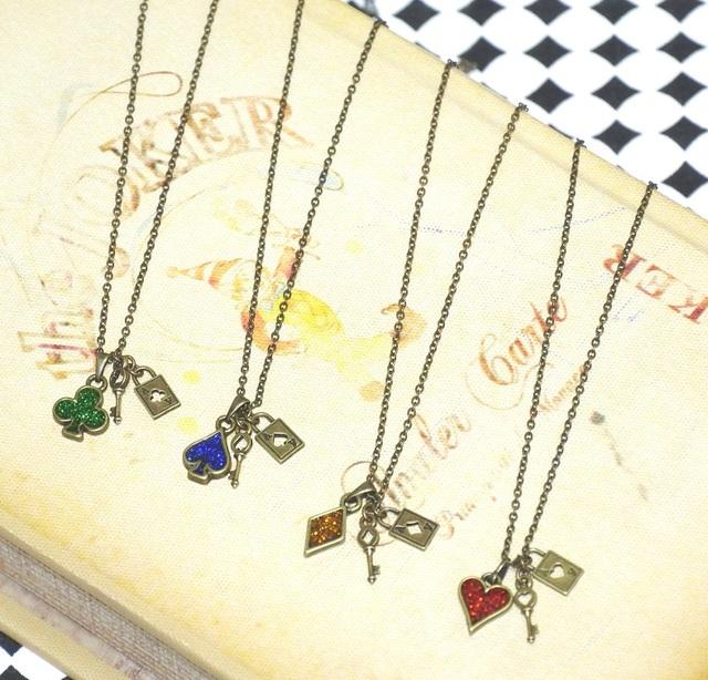 トランプマーク♧♤♢♥ 鍵モチーフ2wayネックレス 4種