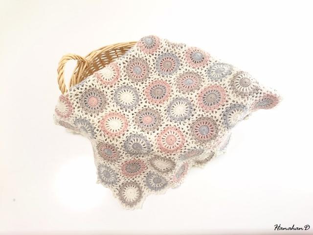 ドットブランケット まん丸モチーフ繋ぎの手編みウール