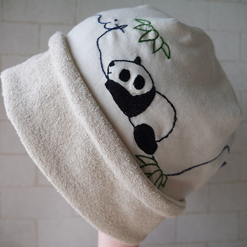 コットン100%ニット生地で作ったニット帽(パンダと笹)