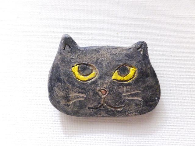 【Autumn Sale】黒猫さんブローチ(陶器風)