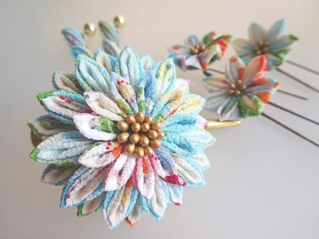 波文様に花(水色) 剣花のくちばしクリップ髪飾り&Uピンセット #つまみ細工