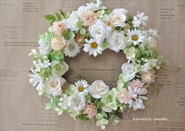 白いバラとマーガレット:wreath